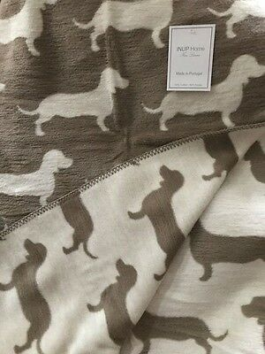 "NWT *REVERSIBLE Dachshunds* Doxie Wiener Dog Brown & White Throw Blanket 67""x51"""