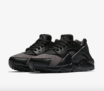 Nike Air Huarache Run Se Gs Black / Dark Grey Junior/Girls/Boys Sizes Uk 3-6