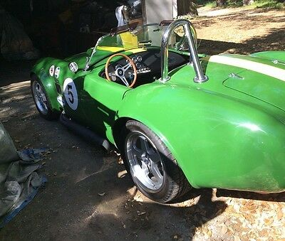 1965 Replica/Kit Makes Shelby  Factory Five Cobra - Green Yellow Leather Black