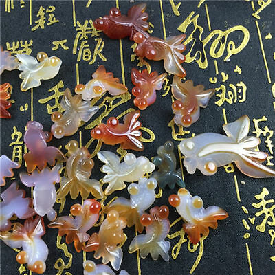 Chinese jade natural agate hand carved Meng Meng small goldfish pendant 1