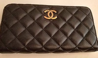 Vintage Black Quilted Chanel Cc Logo Caviar Leather Wallet Clutch Gold Hardware