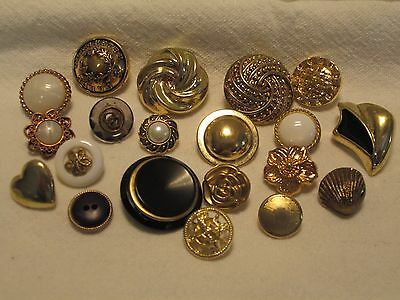 ~*~ 20 x Mixed Gold Tone Buttons ~*~ vintage look , scrapbooking ,craft   (*2*)
