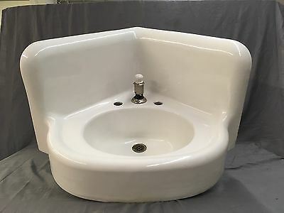 Large Antique Cast Iron White Porcelain Corner Sink Vtg Bath Plumbing 521-17E