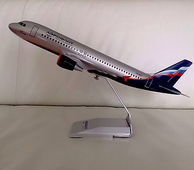 Aeroflot / Аэрофлот Airbus A 320 Holz 1/100 Scale Desk Model Pacmin/usa! Neu&op!