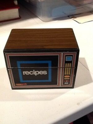 Vintage 1970s 1980s Microwave Recipe Box Kitsch Organizer Card Holder