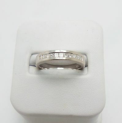 18Ct White Gold Diamond Wedding Band Ring Valued @$1626 Comes With Valuation