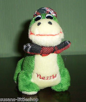 NESSIE THE LOCH NESS MONSTER Scottish TARTAN HAT & BOW TIE Soft Toy Plush