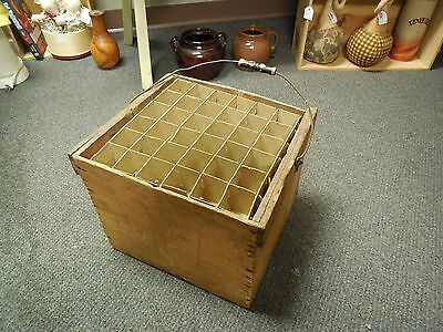 Antique Vintage Wood Primitive Egg Crate With  Handle Farm Dairy & separators