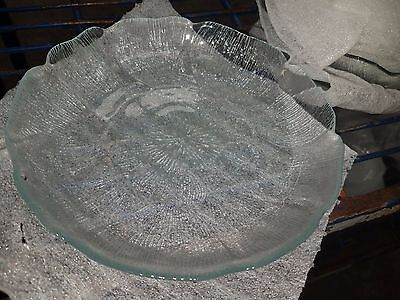 Lot of 48   Arcoroc France Fleur 8'' Clear Glass Petal Salad Dessert Plate