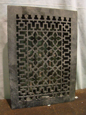 ANTIQUE LATE 1800'S CAST IRON HEATING GRATE ORNATE DESIGN 13.75 x 9.75