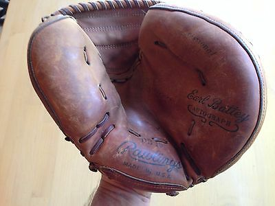 Vintage 1960's Rawlings DB15 Catchers Mitt, Earl Battery Autograph, Made in USA