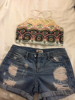 Lot of distressed denim shorts as 3 and white crop top si M