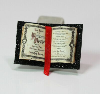 MINIATURE DOLLHOUSE 1:12 SCALE HALLOWEEN WITCH/'S BOOKS CC3 SPELLS//POTIONS