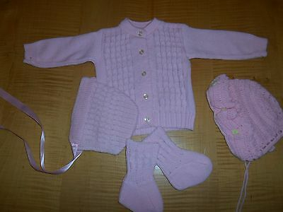 VTG EXC sweet pink 4pc set baby knitted sweater booties bonnet + big doll p137
