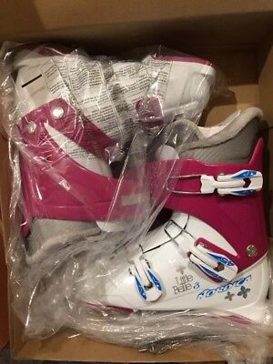 Nordica Little Belle 3 - Youth Girls Downhill Ski Boots Size 245