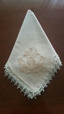 linen napkins with beautiful embroidery and lace trim