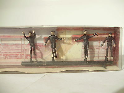Merten Factory Pre painted figures x 4. HO. New old stock. Made in Germany