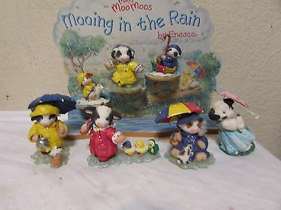 MARY'S MOO MOOS MOOING IN THE RAIN SHADOW BOX DISPLAYER STAND  plus figures