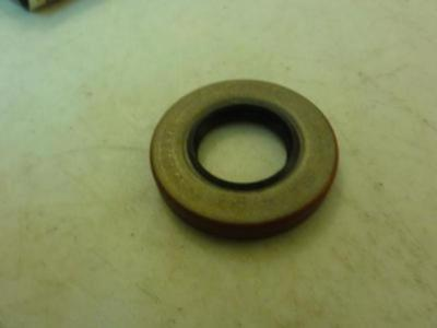 29817 New In box, National Oil  471646 Oil Seal 7/8'' ID x 1/4'' Width