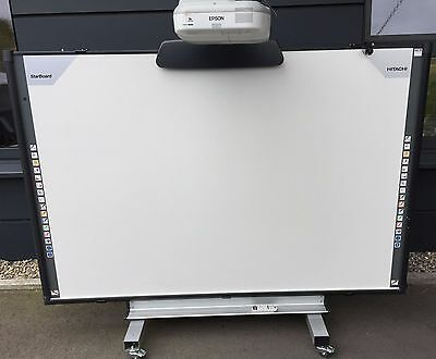 Interaktives Whiteboard Hitachi Starboard FX-Trio-88W und Beamer EPSON EB-485W