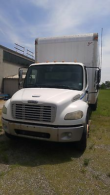 Other Makes M2 106 2006 Freightliner M2 106 with cab for parts