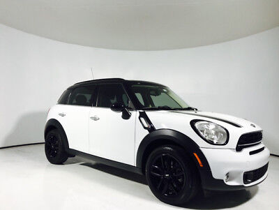 2015 Mini Countryman S | Leather | Premium Audio | Glass Top 2015 MINI Cooper Countryman S | Leather | Premium Audio | Glass Top Light White