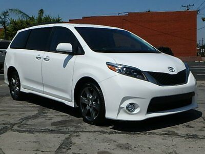 2017 Toyota Sienna SE 2017 Toyota Sienna SE Damaged Repairable Only 4K Mi Loaded Perfect Color MustSee