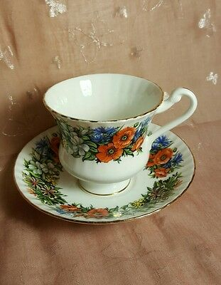 Vintage ROYAL STANDARD FINE BONE CHINA TEA CUP AND SAUCER FROM ENGLAND