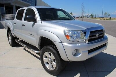 2006 Toyota Tacoma Double Cab V6 4WD 2006 Toyota Tacoma Double Cab 4WD Damaged Salvage Priced to Sell Export Welcome!