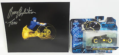 Tron : Tron Photo Signed By Bruce Boxleitner With Clu's Light Cycle Model