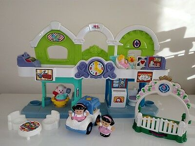 Fisher Price - Educational Musical Little People - Shop Front lot