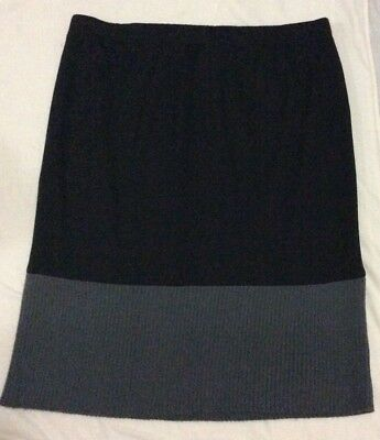 Beautiful Black & Grey Skirt (ts), Size M (18)