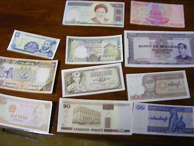 Lot of 11 uncirculated World Banknotes, all diff..1964 onward.(B).