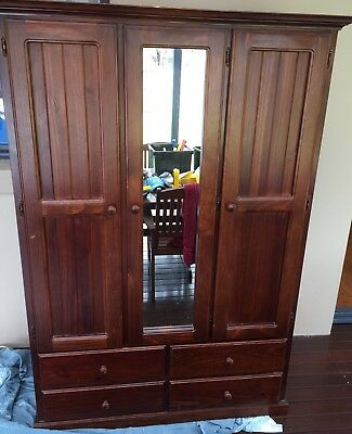 Beautiful oak bedroom cupboard aud picclick au - Beautiful bedroom built in cupboards ...