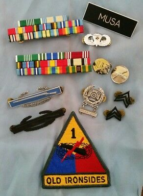 Vintage Military Us Army Lot Of 13  Ribbons, Badges And Pins