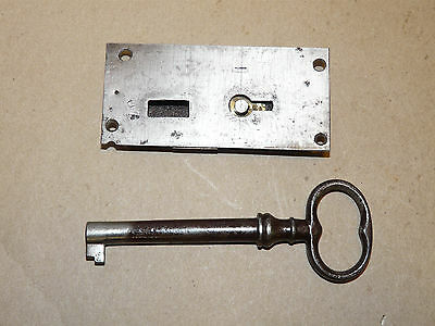 "Vintage 4"" Cabinet or Chest Lock w/ 5 ¼"" Barrel Key Working INV10962"
