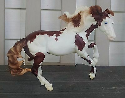 "Breyer 2010 Nokota Medicine Hat Pinto ""Isadora Cruce"". #1151. New condition!"