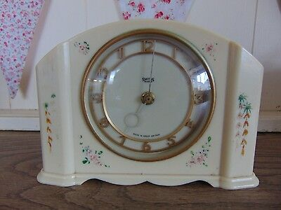 Rare  Smiths  Art Deco  Mantel Clock Cream Bakelite With Hand Pa