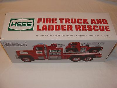 Hess 2015 Fire Truck And Ladder Rescue - NEW