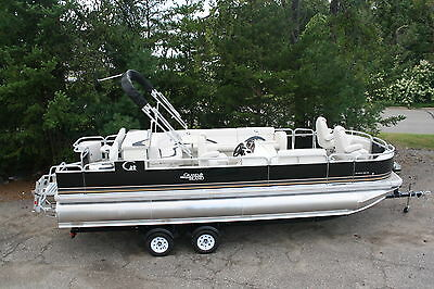 New 2485 Fish and Fun RCRE tritoon pontoon boat with High performance tubes