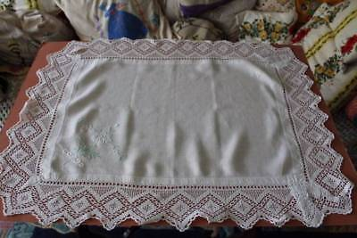 Gorgeous Vintage Linen Tablecloth Embroidered Flower Spray Filet Lace Edges