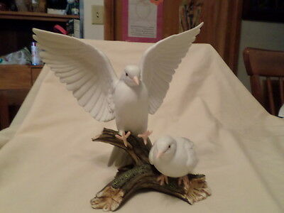 Home Interiors Masterpiece Porcelain Figure White Doves 1985