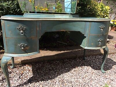 Vintage Dressing Table. Shabby Antique Style.