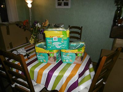 PAMPERS Baby-Dry Taille 4  8-16 kg 258 COUCHES
