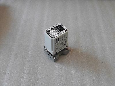Square D Timing Relay, Class 9050, Type JCK70V20, w/Base Unit, Used, Warranty