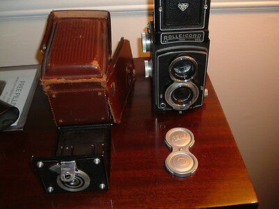 VINTAGE 1953-1954  ROLLEICORD IV CAMERA w/Leather Case