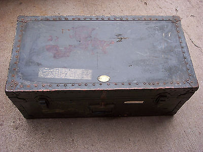 Vintage/ Antique Military Green Steamer Trunk Foot Locker w/ Removable Tray