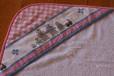 Daisy Kingdom Bear Family Pink Check 100% Cotton Hooded Terry Baby Towel