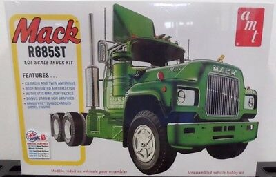 AMT 1/25 Mack R Model Truck Kit. Sealed.