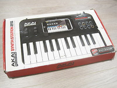 Akai SynthStation25 Piano Keyboard for iPhone and iPod SynthStation 25 key